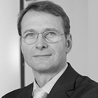 Uwe Hellmann, Commerzbank AG