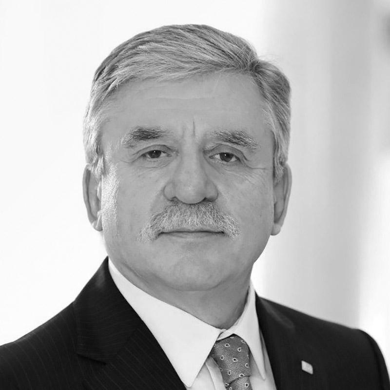 Dr. Walter Huber